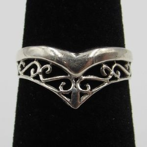 Size 6 Sterling Silver Elegant V Shape Band Ring